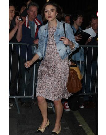Кира Найтли обожает балетки от Chanel