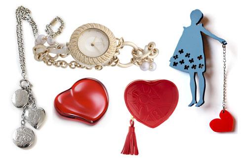 Винтажная подвеска, часы Accessorize, брошь Stern, кошелек в виде сердца Vivienne Westwood, пресс-папье в виде сердца Tiffany