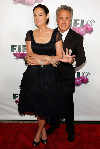 Дастин Хоффман с супругой