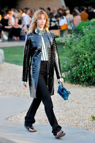Показ круизной коллекции Louis Vuitton в Палм-Спринг   галерея [1] фото [5]