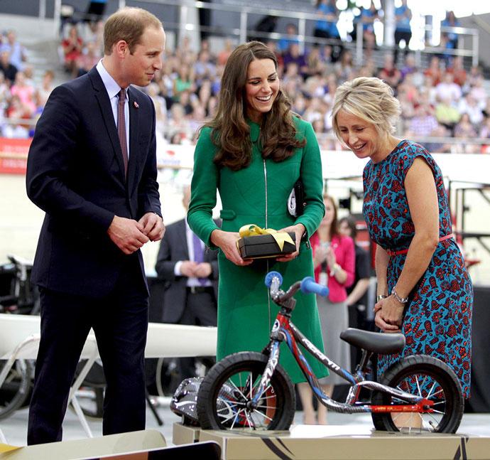 Кейт, Уильям и велосипед