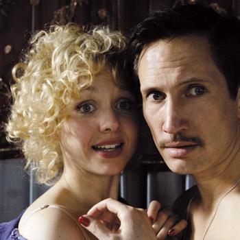 Фильм о том, как сложно мужчине и женщине жить в гармонии друг с другом.