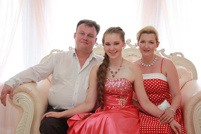 Екатерина Калугина с мужем и дочерью