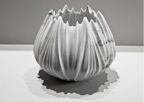 Мраморные вазы и столы от Захи Хадид   галерея [1] фото [4]