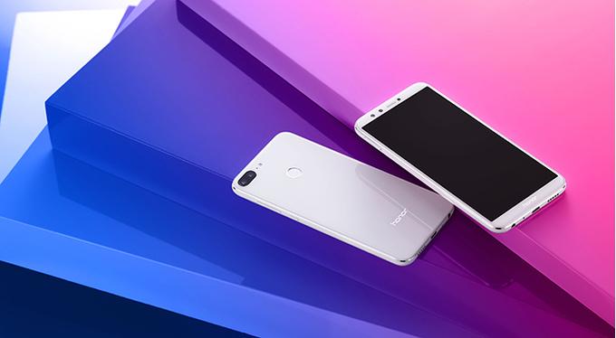 Honor 9 Lite: новый стильный смартфон Huawei