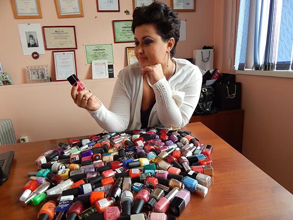 коллекция лаков для ногтей