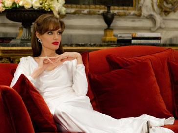Анджелину Джоли (Angelina Jolie) нарисовали
