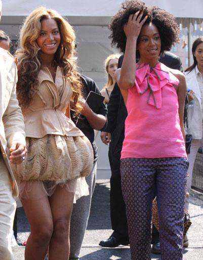 Бейонсе (Beyonce) с сестрой Соланж (Solange Knowles)