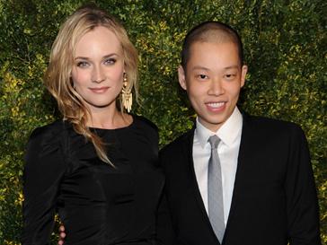 Диана Крюгер (Diane Kruger) и дизайнер Джейсон Ву (Jason Wu) на благотворительном вечере