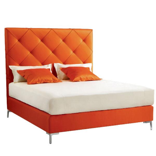 Кровать Chloé, кожа, Treca de Paris, галереи Neuhaus.