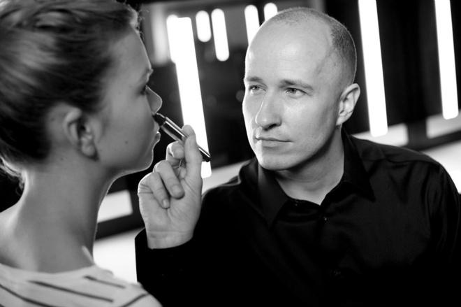 Визажист Yves Saint Laurent Beaute проведет уроки макияжа в России
