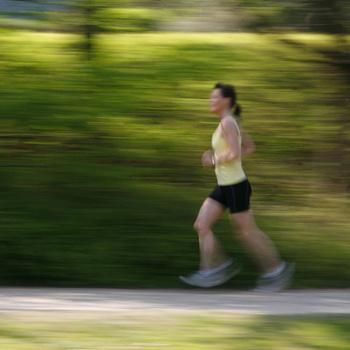 Занимаясь бегом, вы, возможно, проживете более долгую и счастливую жизнь.
