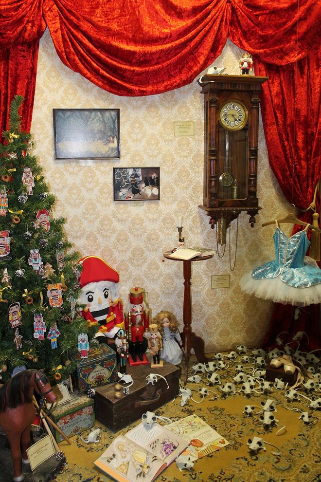 Новогодние игрушки, Щелкунчики, праздничное оформление
