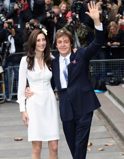 Пол Маккартни (Sir Paul McCartney) и его третья жена Нэнси Шевелл.