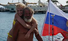 Отец актрисы сериала «Деффчонки» в одиночку переплыл океан