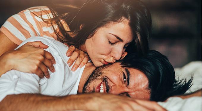 Секс с русской девушкой в е бывшем классе
