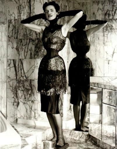 Модель Стелла Теннант (Stella Tennant) в фотосессии для Vogue Italia