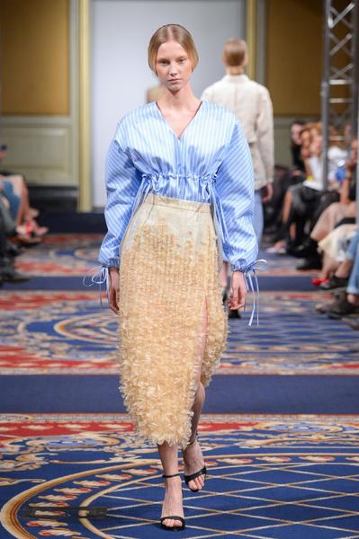Показ осенне-зимней коллекции Ruban на Mercedes-Benz Fashion Week RussiaПоказ осенне-зимней коллекции Ruban на Mercedes-Benz Fashion Week Russia   галерея [2] фото [4]