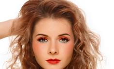 Хороший макияж помогает женщинам с работой