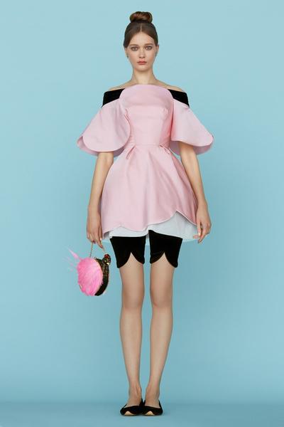 Ульяна Сергеенко представила новую коллекцию на Неделе высокой моды в Париже | галерея [1] фото [19]