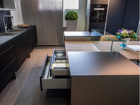 Poggenpohl совместно с Porsche Design Studio выпустили новую кухню | галерея [1] фото [1]