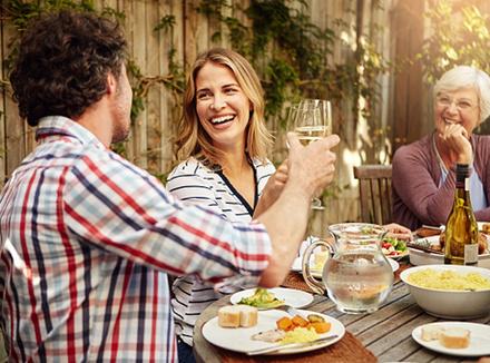 6 способов пережить праздники, если вы не в ладах с родителями партнера