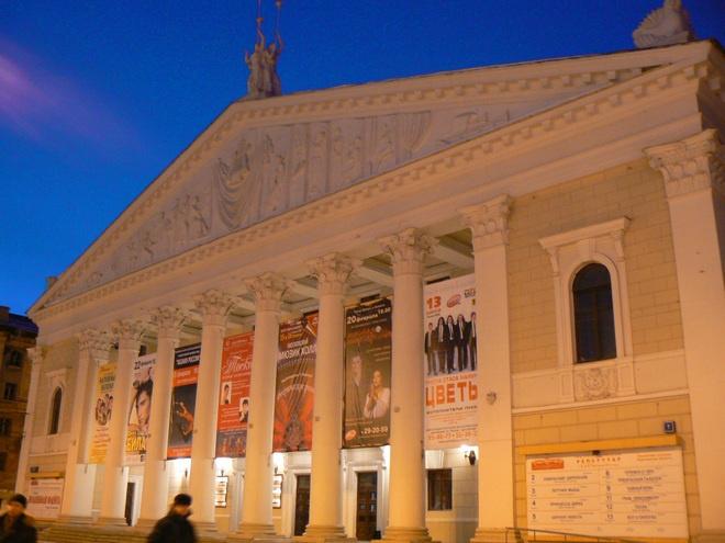 Интернет-пользователи назвали 50 лучших театров России