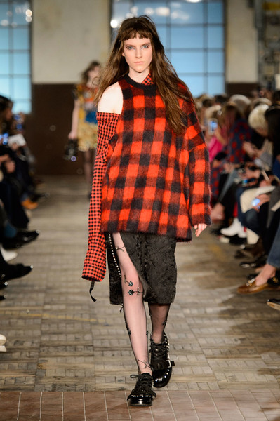 Самые красивые образы Недели моды в Милане | галерея [1] фото [13]