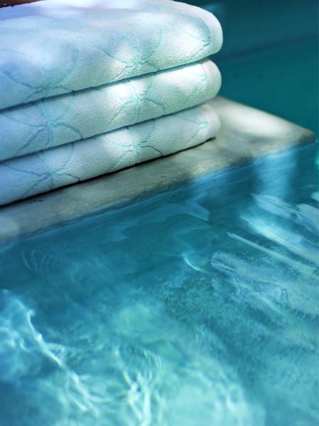 Яркие пляжные полотенца Yves Delorme и Ralph Lauren Home | галерея [1] фото [5]