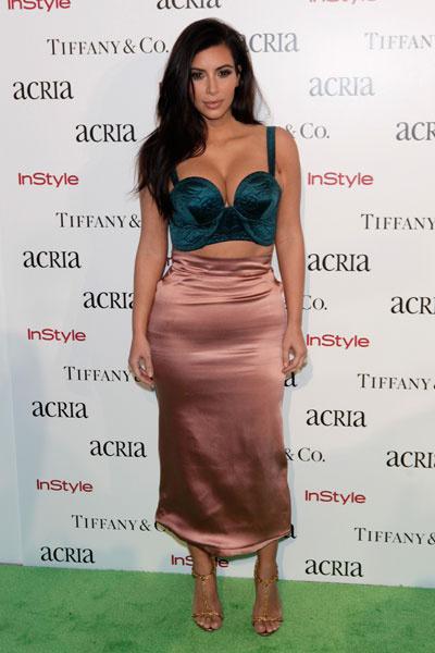 Ким Кардашьян на вечеринке 19th Annual ACRIA Holiday Dinner