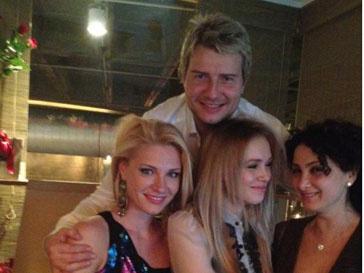 Николай Басков и три незнакомки