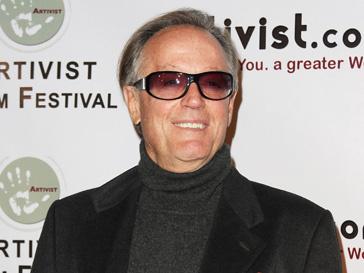 Питер Фонда (Peter Fonda) нашел труп у себя в машине