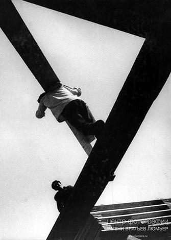 Борис Игнатович «С доской», 1929.