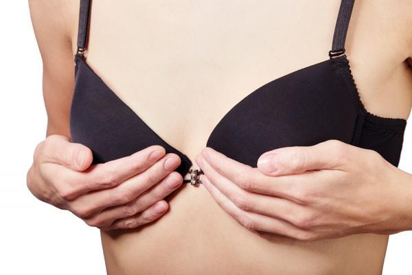 В чем привлекательность маленькой груди