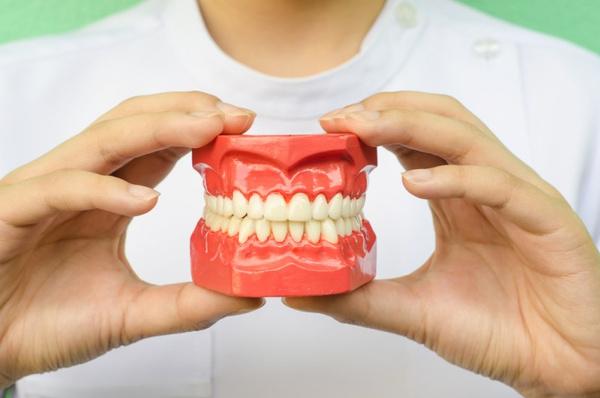 Щелкает челюсть: причины и лечение. Видео - Woman's Day