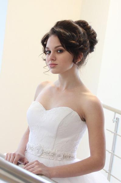 как сделать свадебную прическу на длинные волосы: фото