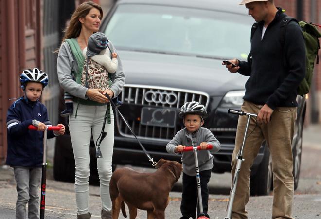 Жизель Бюндхен с семьей фото