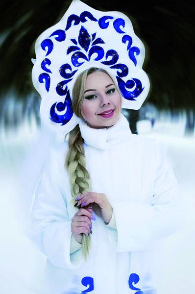 samiy-krasiviy-snegurochka-devushka