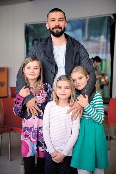 Владимир Кристовский с детьми фото