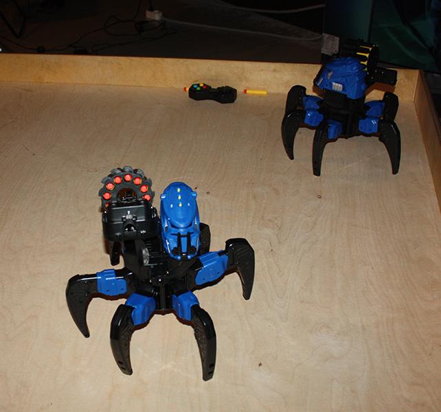 """Робот-паук, """"Бал роботов"""""""