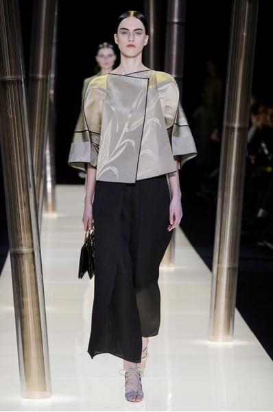 На Неделе высокой моды в Париже прошел юбилейный показ Giorgio Armani Prive | галерея [1] фото [24]