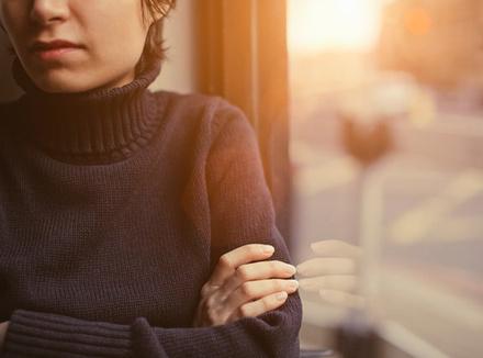 «Я не понимала, что живу с абьюзером, потому что он меня не бил»