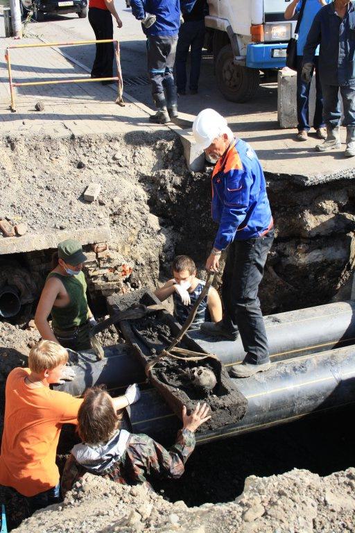 В центре Томска откопали гробницу