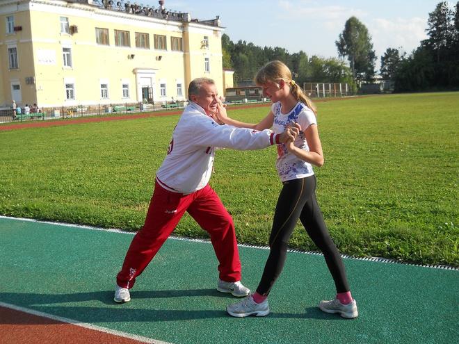 Вероника Зотова со своим тренером Виктором Соколовым.