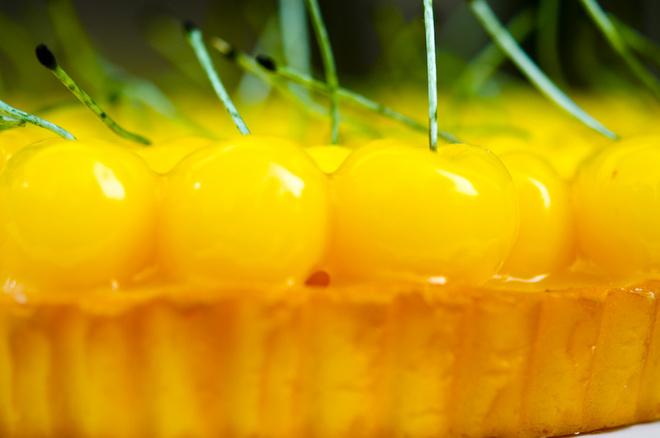 Черешневое желе идет как самостоятельное блюдо и используется в качестве начинки для пирогов и тортов.