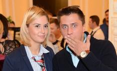 Павел Прилучный подарил жене роскошное кольцо
