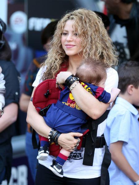 Шакира и ее двухмесячный сын Саша