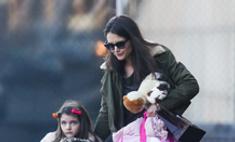 Кэти Холмс не справляется с воспитанием дочери