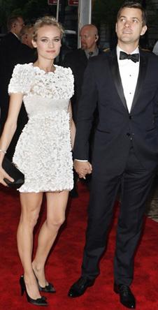 Диана Крюгер (в Chanel) с женихом
