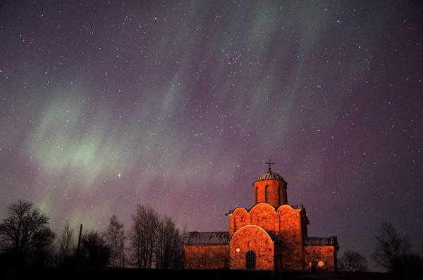 Северное сияние в Великом Новгороде
